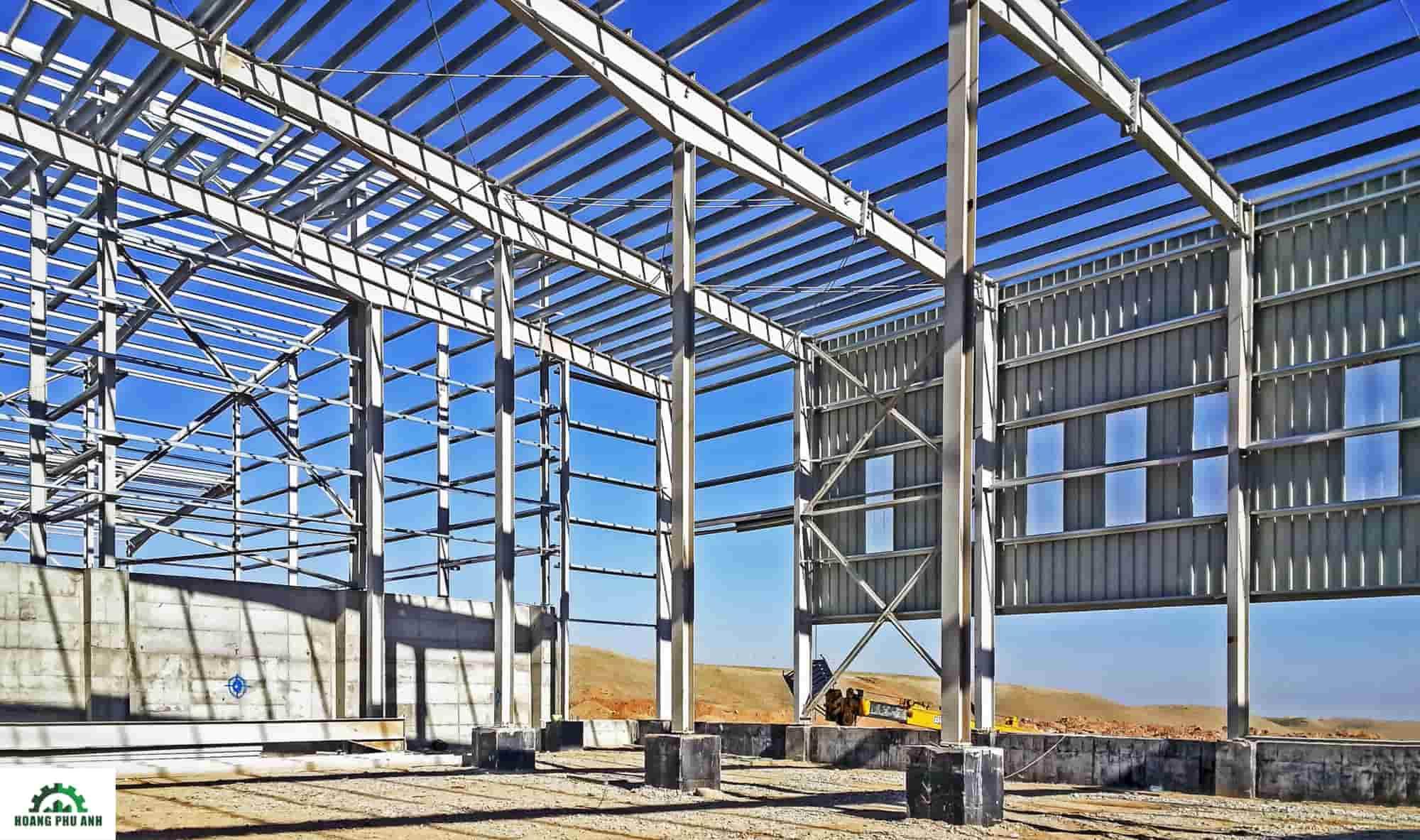 Nhà được xây dựng bằng khung thép