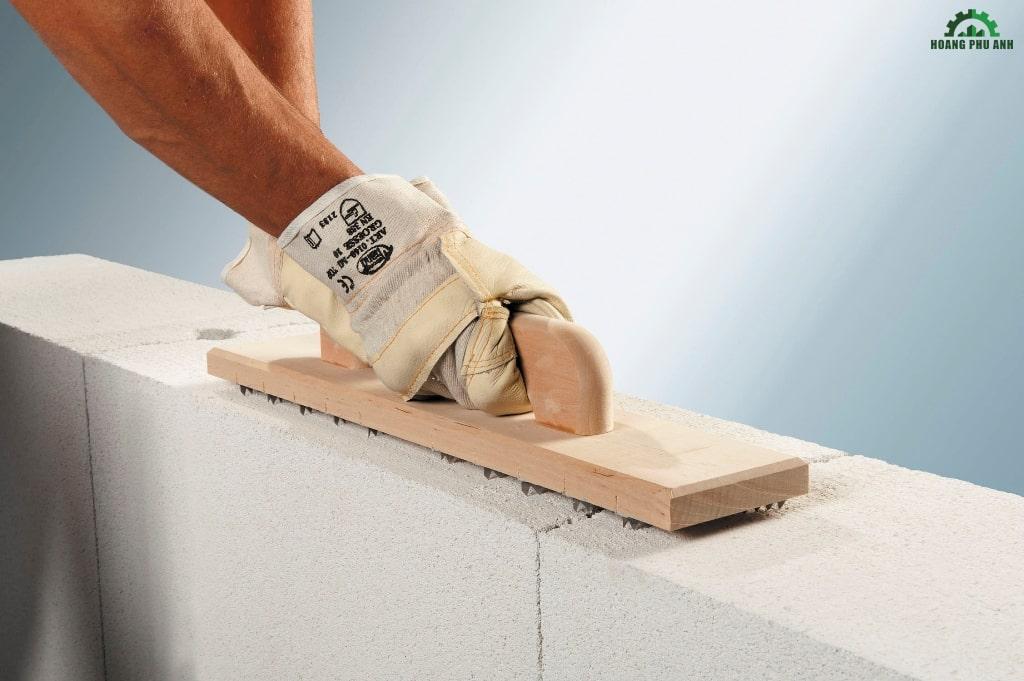 Tăng chiều dày lớp bảo vệ bê tông